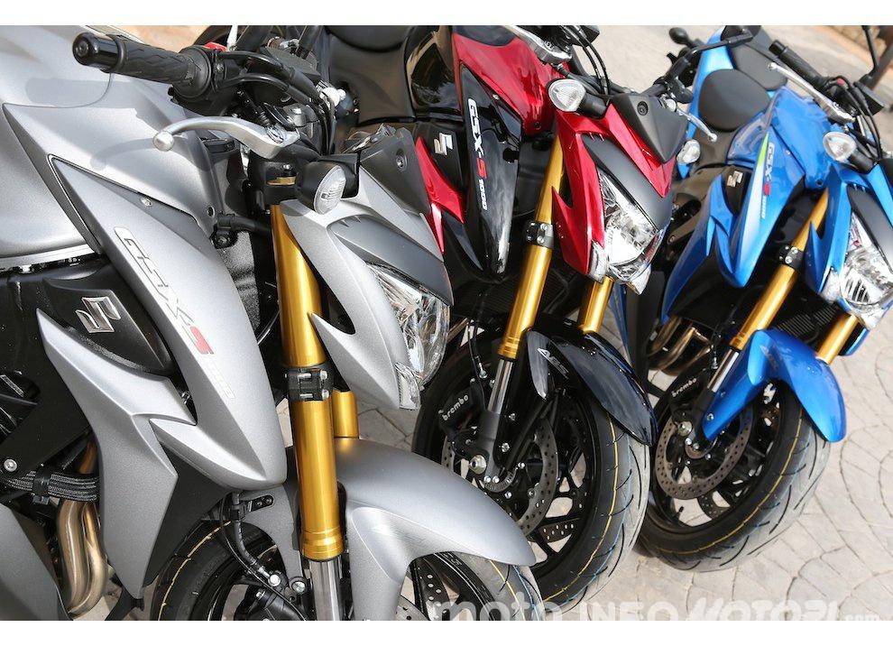 Suzuki: promozioni e sconti sulla gamma moto e scooter 2015 - Foto 10 di 13