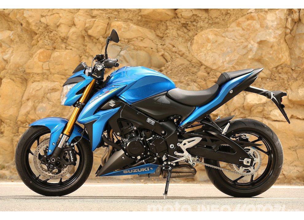 Suzuki: promozioni e sconti sulla gamma moto e scooter 2015 - Foto 11 di 13