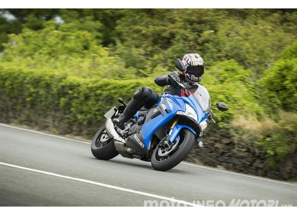 Suzuki, promozioni su moto e scooter fino a fine anno - Foto 2 di 8