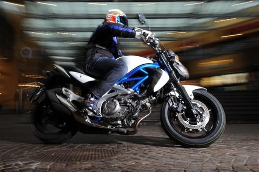 Suzuki Gladius promo