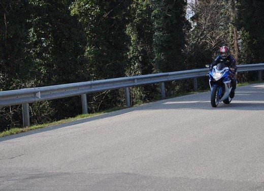 Suzuki GSX-R 600: prova su strada della nuova supersportiva di media cilindrata - Foto 38 di 52