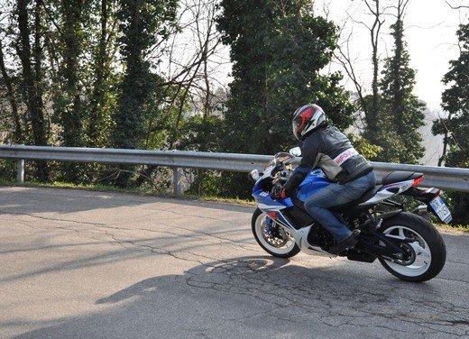 Suzuki GSX-R 600: prova su strada della nuova supersportiva di media cilindrata - Foto 12 di 52