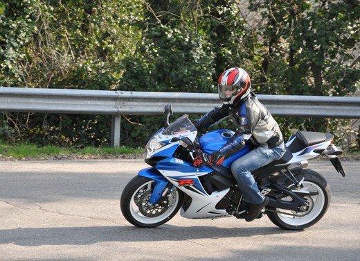 Suzuki GSX-R 600: prova su strada della nuova supersportiva di media cilindrata - Foto 46 di 52