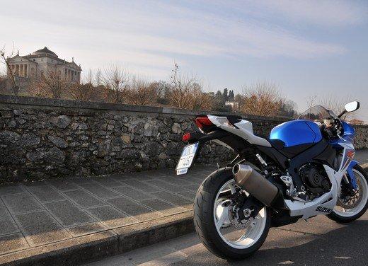 Suzuki GSX-R 600: prova su strada della nuova supersportiva di media cilindrata - Foto 11 di 52