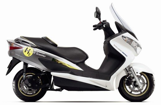Gli incentivi auto elettriche ed ecologiche escludono scooter e moto - Foto 3 di 9
