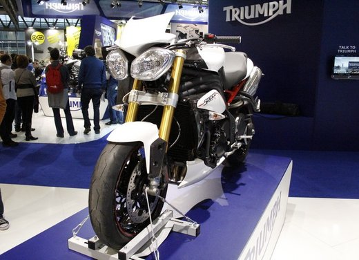 Triumph Speed Triple R - Foto 4 di 15