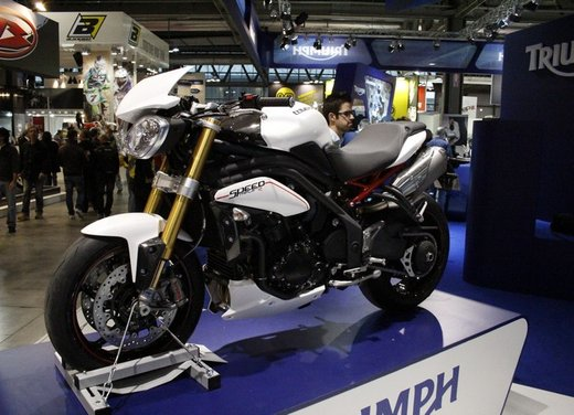 Triumph Speed Triple R - Foto 5 di 15