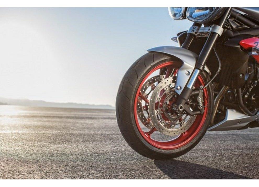 Triumph Street Triple RX 2015 - Foto 4 di 6