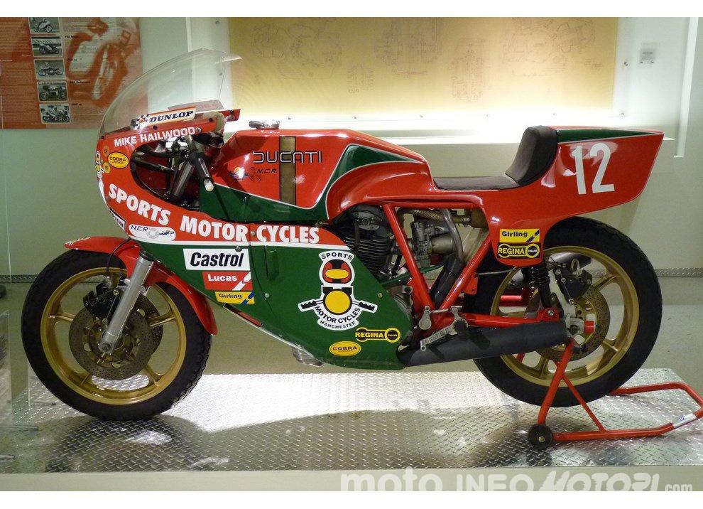 Valentino Rossi e Mike Hailwood: l'Eterno Ritorno - Foto 4 di 12