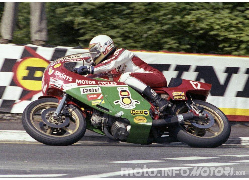 Valentino Rossi e Mike Hailwood: l'Eterno Ritorno - Foto 5 di 12