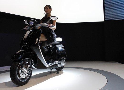 Piaggio Vespa 946: la scooter Piaggio di lusso in vendita nella primavera 2013 - Foto 14 di 32
