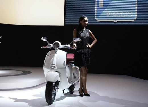 Piaggio Vespa 946: la scooter Piaggio di lusso in vendita nella primavera 2013 - Foto 1 di 32