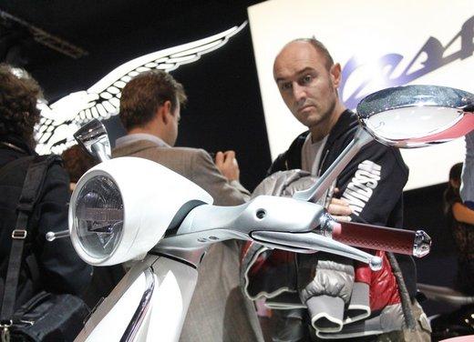 Piaggio Vespa 946: la scooter Piaggio di lusso in vendita nella primavera 2013 - Foto 24 di 32
