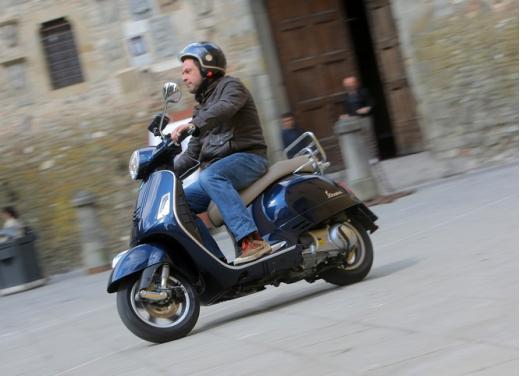 Vespa GTS 300 test ride - Foto 14 di 24