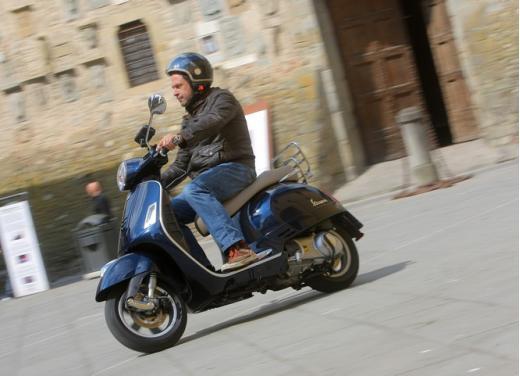 Vespa GTS 300 test ride - Foto 15 di 24