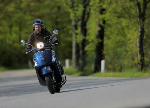 Vespa GTS 300 test ride - Foto 18 di 24