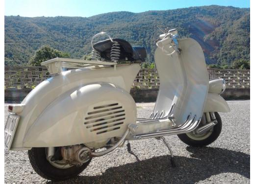 Vespa, una gallery simpatica celebra lo scooter più famoso al mondo - Foto 30 di 33