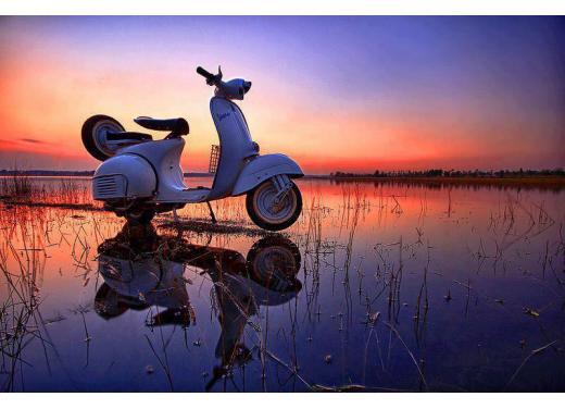Vespa, una gallery simpatica celebra lo scooter più famoso al mondo - Foto 31 di 33