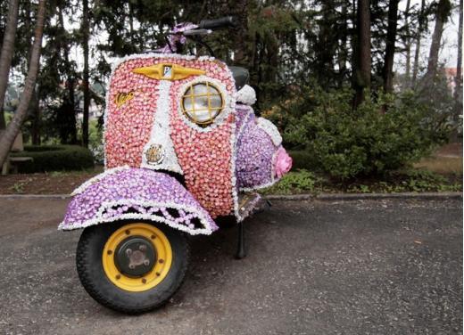 Vespa, una gallery simpatica celebra lo scooter più famoso al mondo - Foto 2 di 33