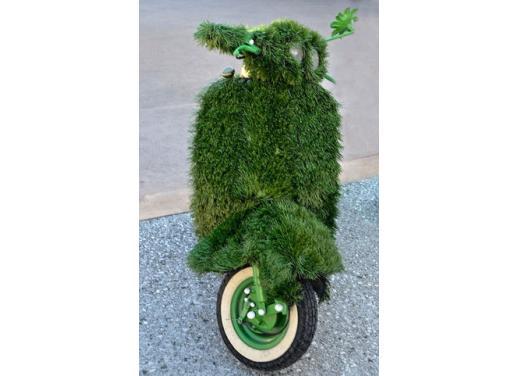 Vespa, una gallery simpatica celebra lo scooter più famoso al mondo - Foto 13 di 33