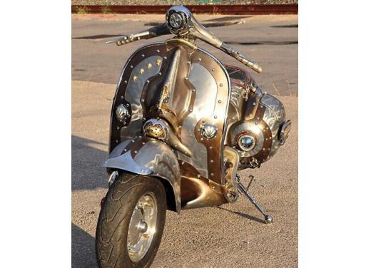 Vespa, una gallery simpatica celebra lo scooter più famoso al mondo - Foto 25 di 33