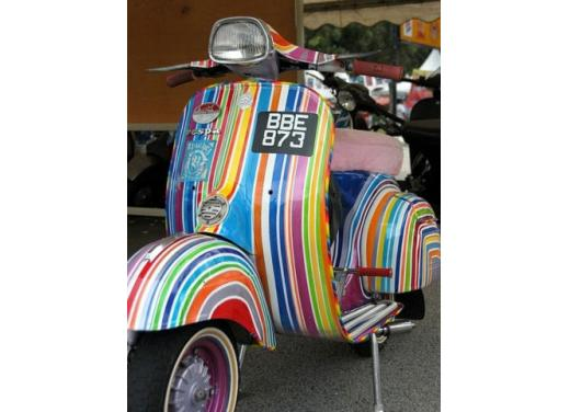 Vespa, una gallery simpatica celebra lo scooter più famoso al mondo - Foto 26 di 33