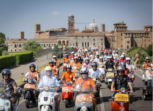 Vespa World Days 2014: a Mantova l'edizione dei record - Foto 4 di 17