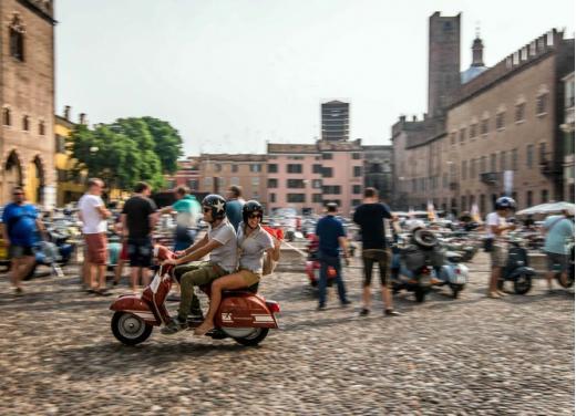 Vespa World Days 2014: a Mantova l'edizione dei record - Foto 12 di 17
