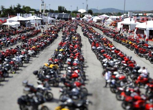 World Ducati Week 2012: Ducati Diavel Carbon in palio - Foto 11 di 14
