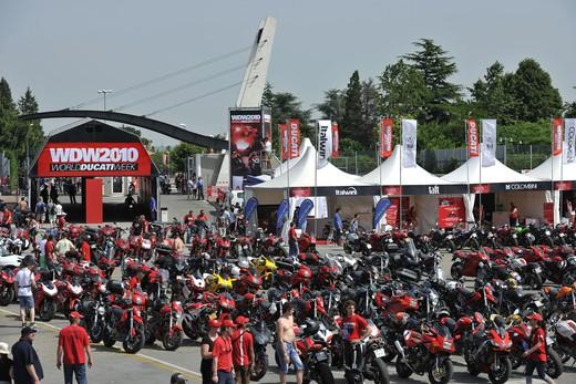 World Ducati Week 2012: Ducati Diavel Carbon in palio - Foto 14 di 14