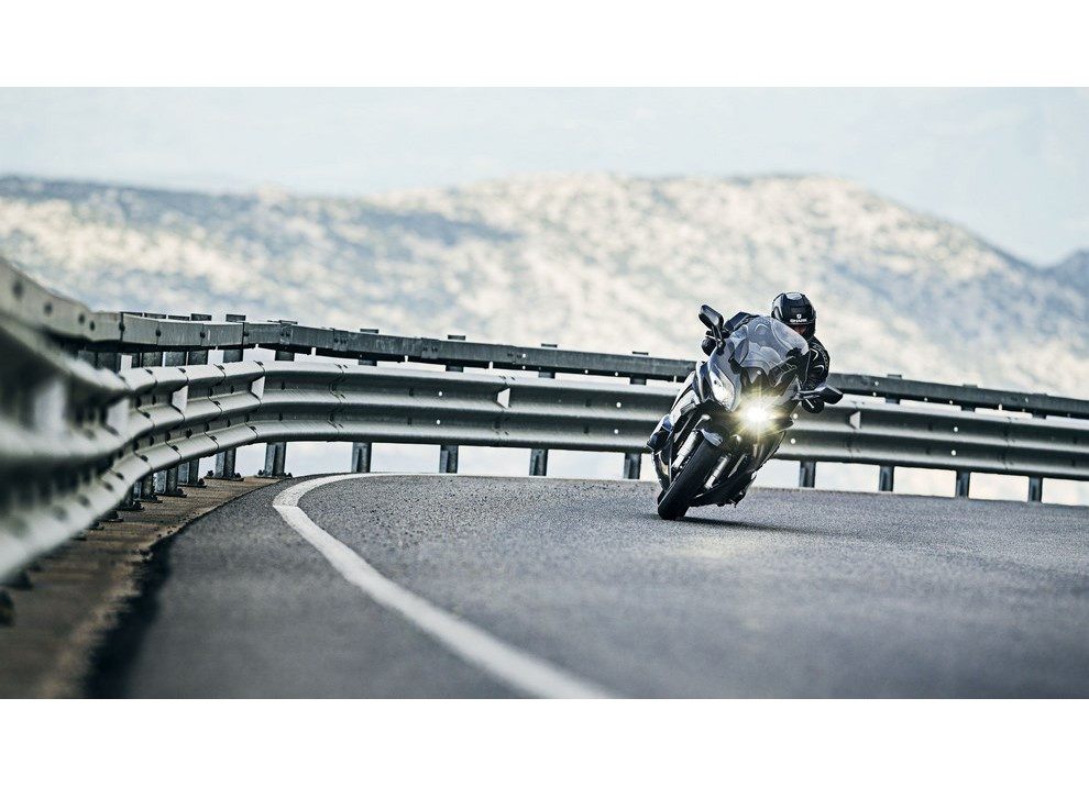 Yamaha FJR 1300 A/AE/AS 2016: il turismo al next level - Foto 2 di 50
