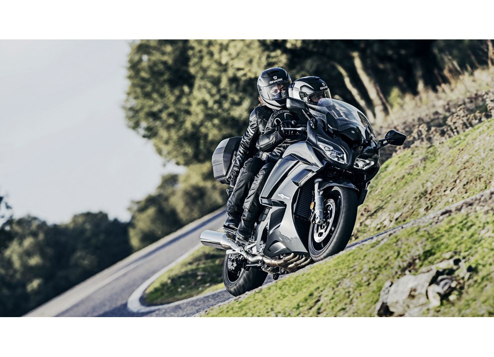 Yamaha FJR 1300 A/AE/AS 2016: il turismo al next level - Foto 10 di 50