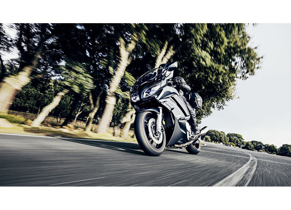 Yamaha FJR 1300 A/AE/AS 2016: il turismo al next level - Foto 3 di 50