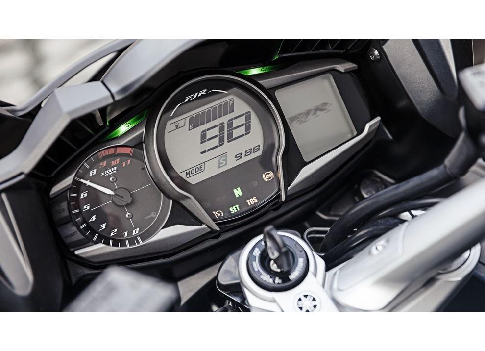 Yamaha FJR 1300 A/AE/AS 2016: il turismo al next level - Foto 14 di 50