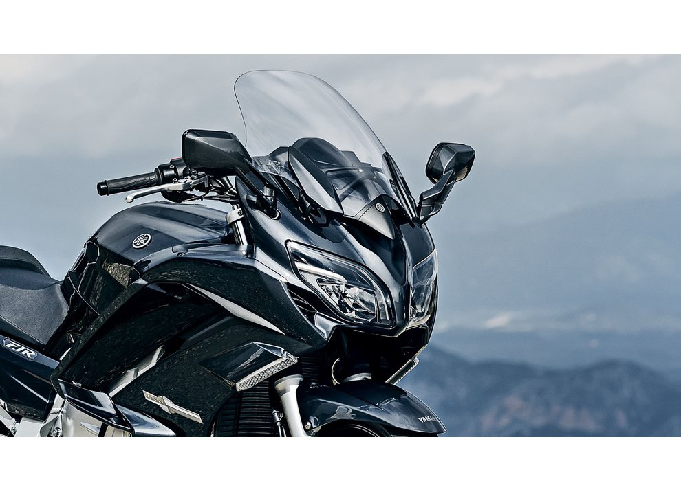 Yamaha FJR 1300 A/AE/AS 2016: il turismo al next level - Foto 18 di 50
