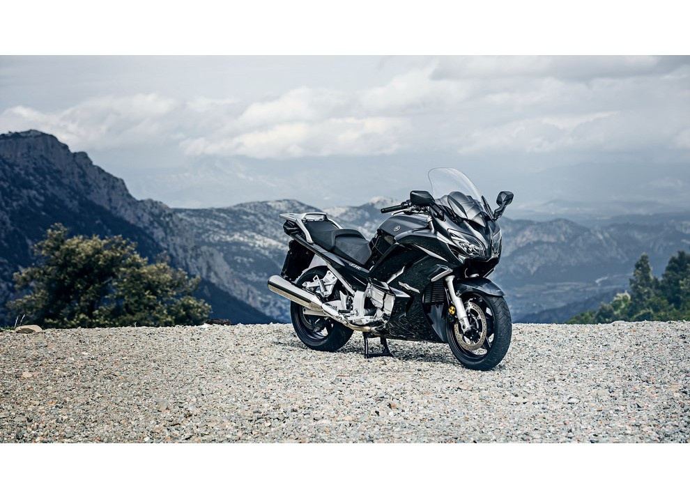 Yamaha FJR 1300 A/AE/AS 2016: il turismo al next level - Foto 27 di 50