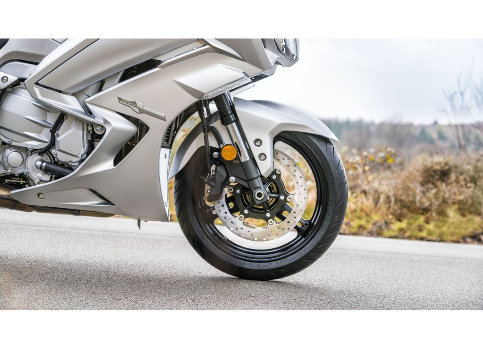Yamaha FJR 1300 A/AE/AS 2016: il turismo al next level - Foto 38 di 50