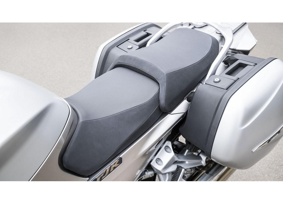 Yamaha FJR 1300 A/AE/AS 2016: il turismo al next level - Foto 43 di 50