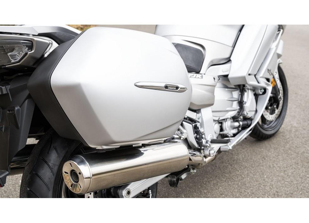 Yamaha FJR 1300 A/AE/AS 2016: il turismo al next level - Foto 46 di 50