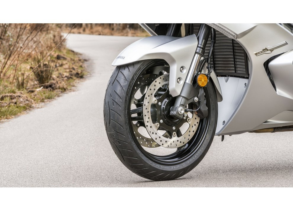 Yamaha FJR 1300 A/AE/AS 2016: il turismo al next level - Foto 47 di 50