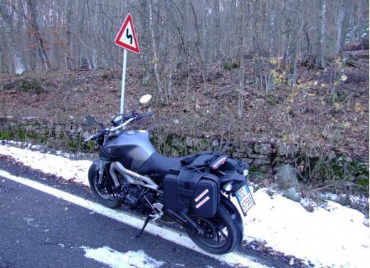 Yamaha MT-09 prova su strada - Foto 8 di 52