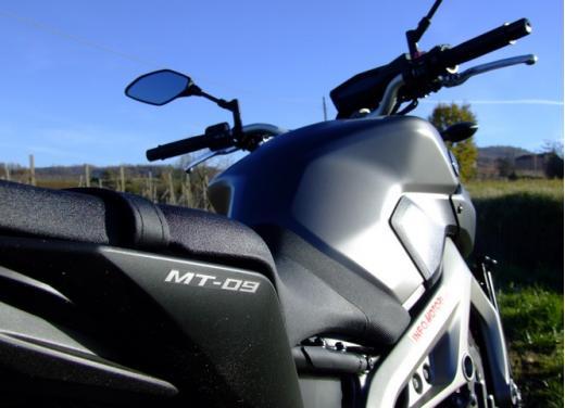 Yamaha MT-09 prova su strada - Foto 48 di 52