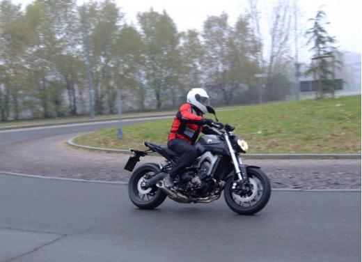 Yamaha MT-09 prova su strada - Foto 11 di 52