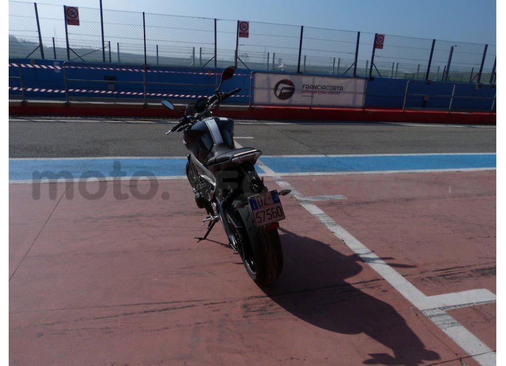 Yamaha MT-09: Test Ride in pista e su strada, la recensione - Foto 6 di 32