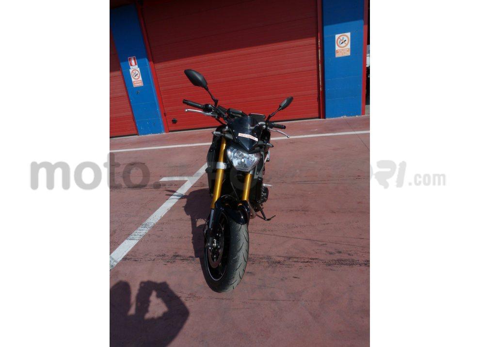 Yamaha MT-09: Test Ride in pista e su strada, la recensione - Foto 9 di 32
