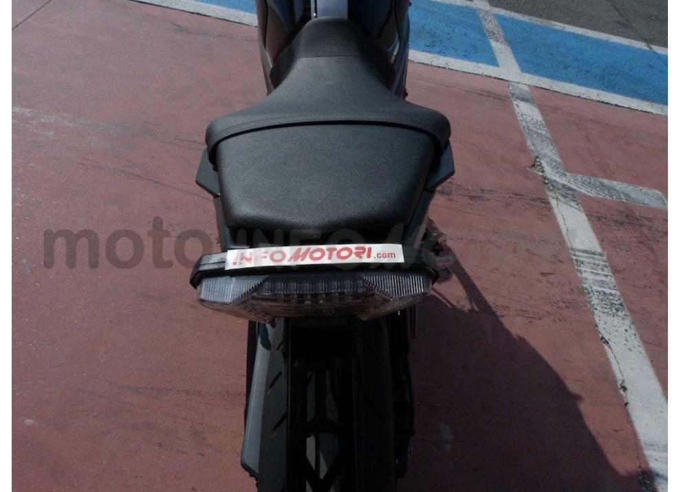 Yamaha MT-09: Test Ride in pista e su strada, la recensione - Foto 10 di 32
