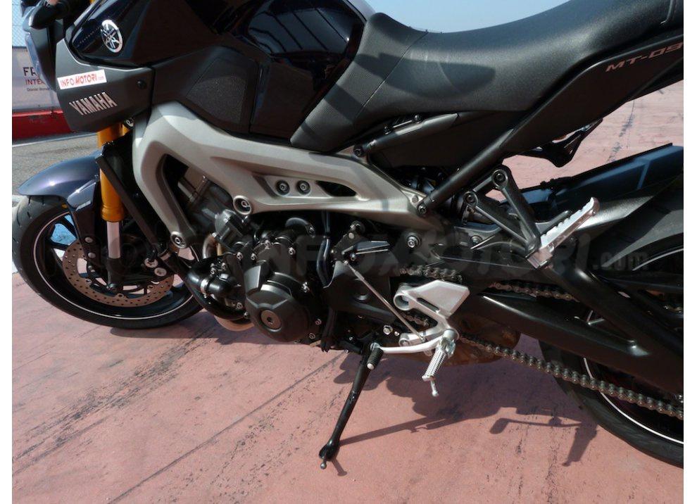 Yamaha MT-09: Test Ride in pista e su strada, la recensione - Foto 16 di 32