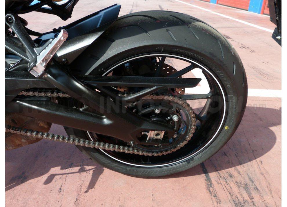 Yamaha MT-09: Test Ride in pista e su strada, la recensione - Foto 18 di 32