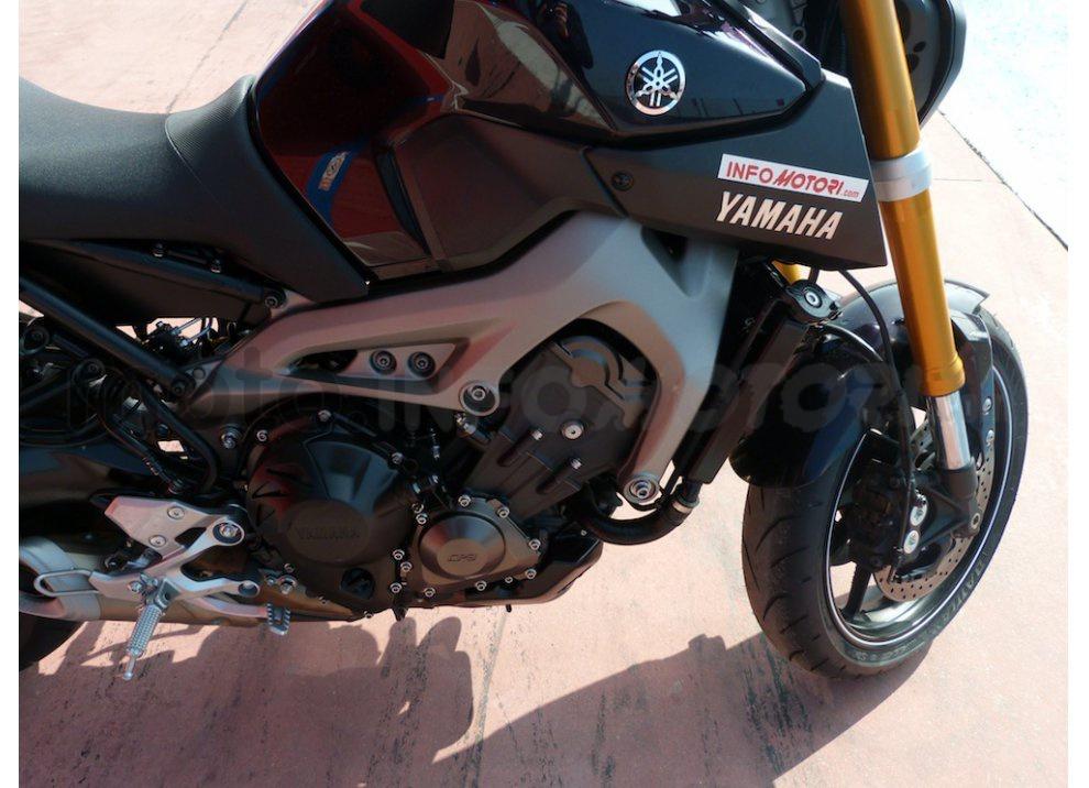 Yamaha MT-09: Test Ride in pista e su strada, la recensione - Foto 20 di 32