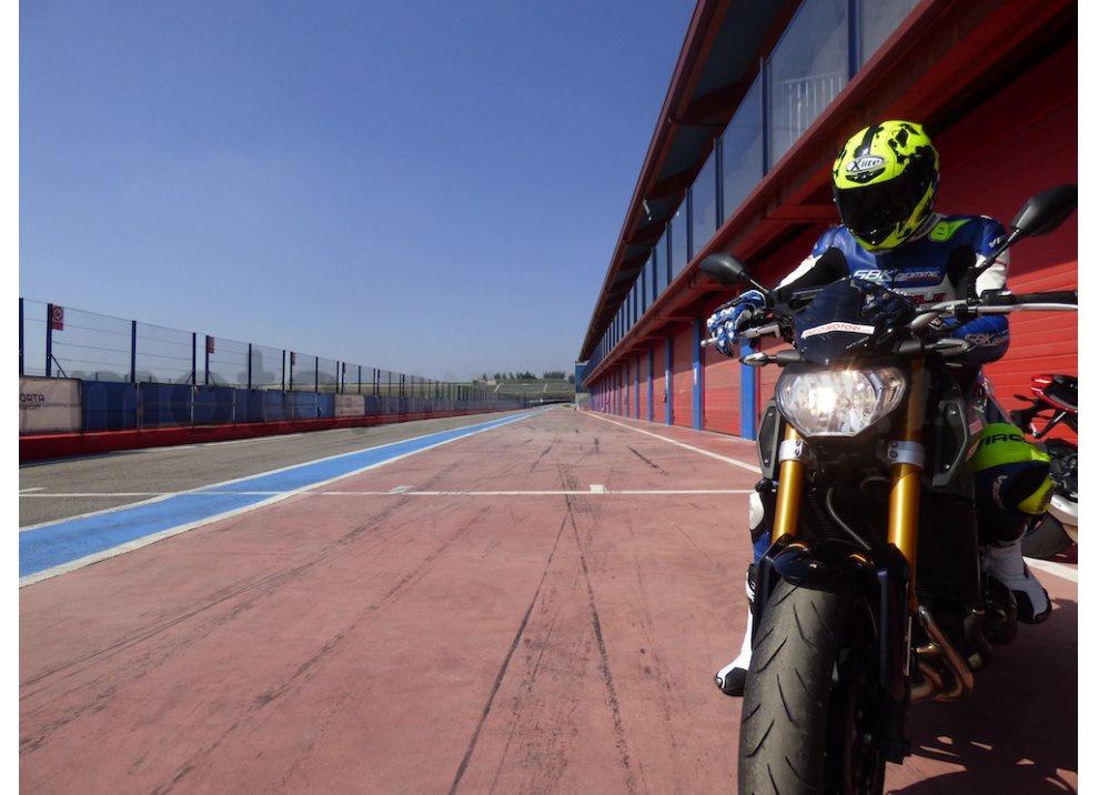 Yamaha MT-09: Test Ride in pista e su strada, la recensione - Foto 1 di 32